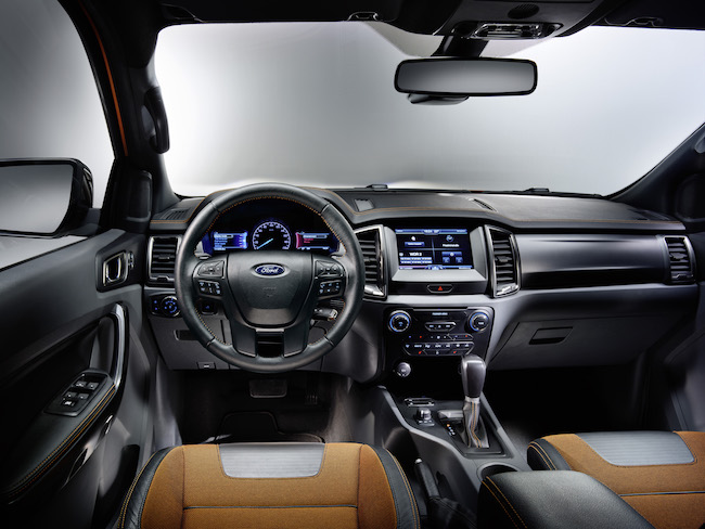 Ford2015_IAA_RangerWildtrak_Dashboard_01