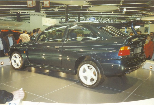 La Ford RS Cosworth au Mondial de l'Automobile de Paris en 1992