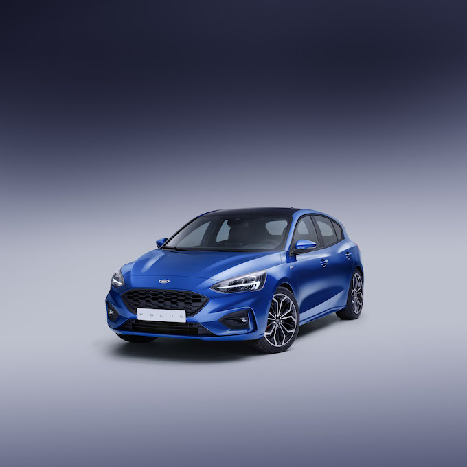 FORD_2018_FOCUS_ST-LINE_STUDIO_01