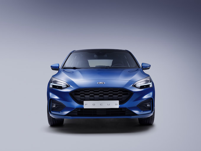 FORD_2018_FOCUS_ST-LINE_STUDIO_02