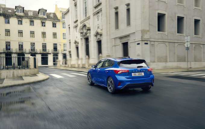 FORD_2018_FOCUS_ST-LINE__02