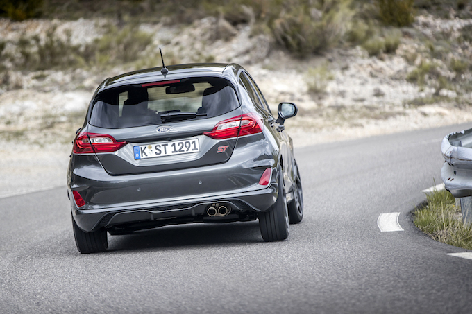 2018FordFiesta_MAGNETIC_ST_13