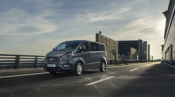 2019_FORD_TOURNEO_CUSTOM_PHEV__04